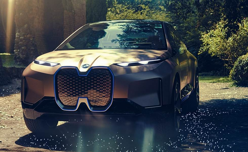 BMW Inext in orange von vorne